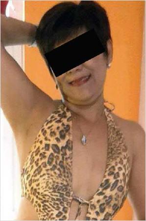 Frauen mit kleinen busen nackt